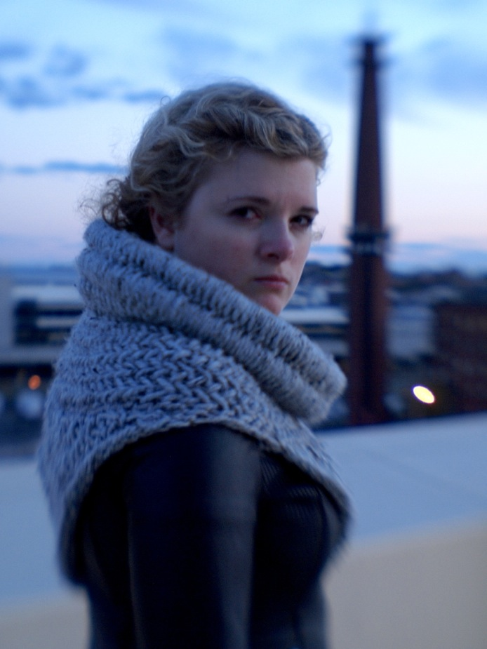 The Katniss Cowl Revealed! | lollyknits